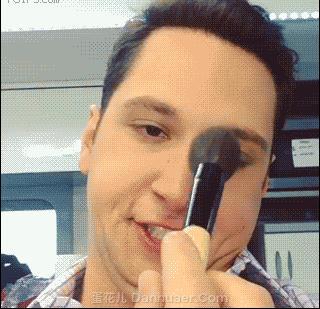 Jak naprawdę działa makijaż