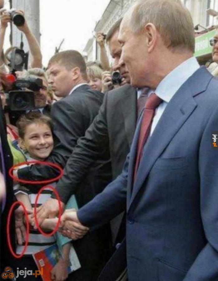 Nie jest łatwo przywitać Putina