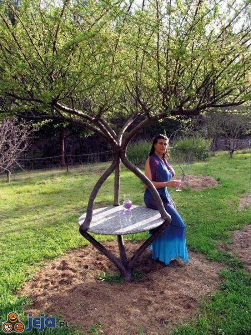 Stół ogrodowy