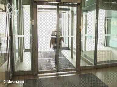 Drzwi bywają niebezpieczne