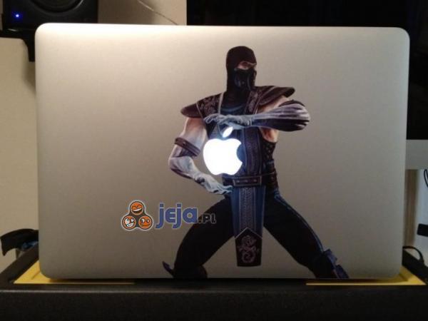 Sub Zero na laptopie