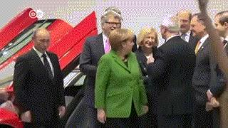 Atak piersi na Putina