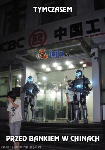 Tymczasem przed bankiem w Chinach