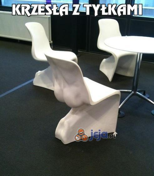 Krzesła z tyłkami