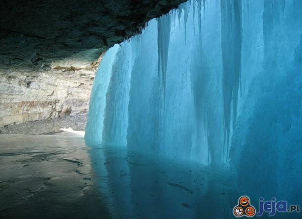 Zamarźnięty wodospad