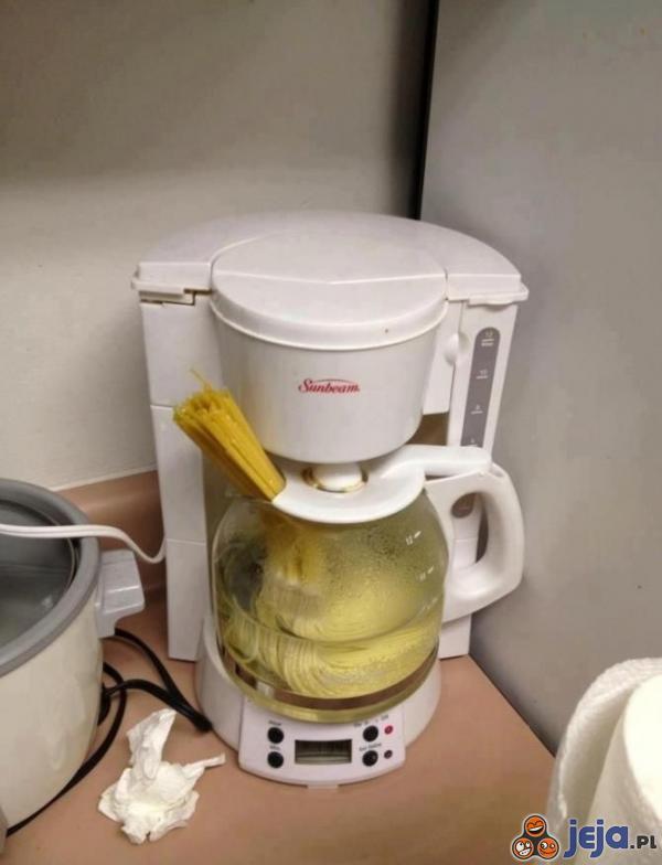 Studencki wielozadaniowy robot kuchenny