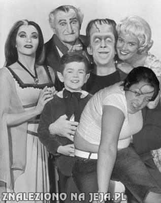 Mosh Girl i Rodzina Adamsów