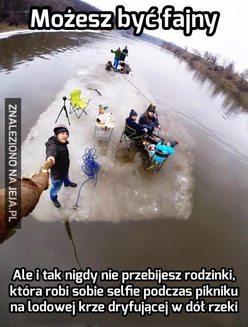 #Rosja #dzieńjakcodzień #samojebka