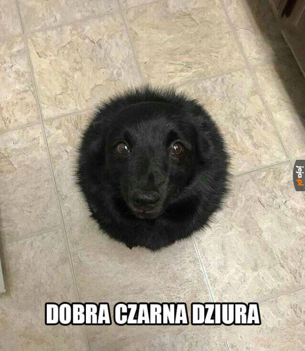 Najpiękniejsza czarna dziura ever