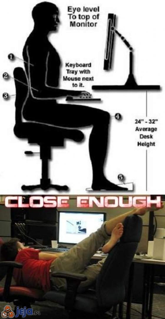 Właściwa postawa przy komputerze