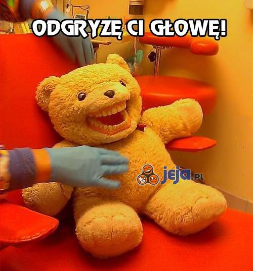 Ten miś miał pocieszać dzieci u dentysty...