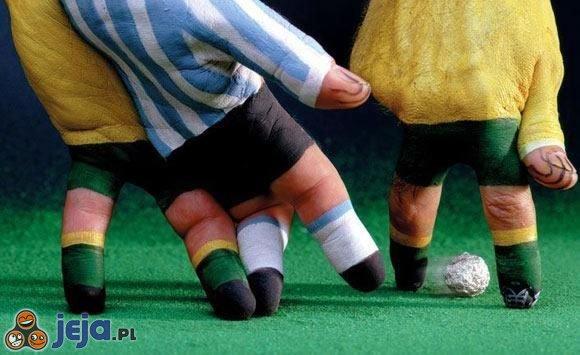 Piłka nożna na palcach