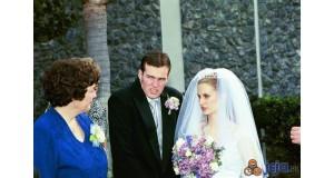 Dziwne zdjęcia rodzinne - wzrok teściowej