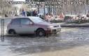 Dziewczyny z Syberii manifestują niezadowolenie z nieprzejezdnych dróg