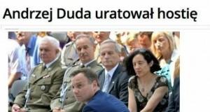 Andrzej Duda uratował hostię