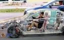 Całkowicie przezroczyste, akrylowe auto