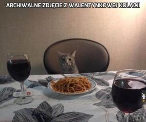 Archiwalne zdjęcie z walentynkowej kolacji