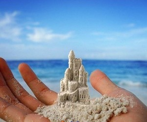 Miniaturowy zamek z piasku