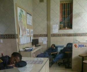 Południowo-afrykańska policja na służbie