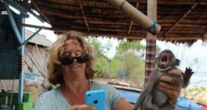 Zamiana twarzy z małpką