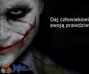 Daj człowiekowi maskę...