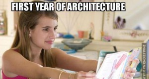 Ah, ta architektura