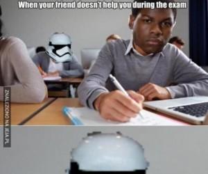 Kiedy kumpel nie pomoże podczas egzaminu