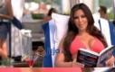 Kim Kardashian czyta o fizyce kwantowej