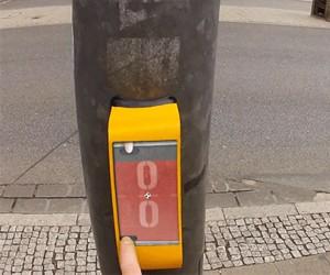 Niemiecki pomysł na zabicie czasu przy czekaniu na przejście