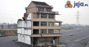 Koniec domku na autostradzie