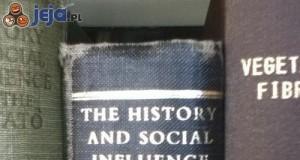 Ciekawe kto zrobił doktorat pisząc tę książkę