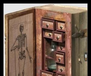 Pudełko z truciznami XVII-wiecznego zabójcy