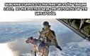 Skakanie z samolotu nie martwi psów tak jak ludzi