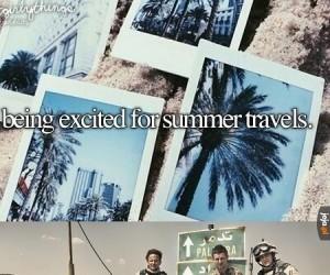 Być podekscytowanym wakacyjnymi podróżami