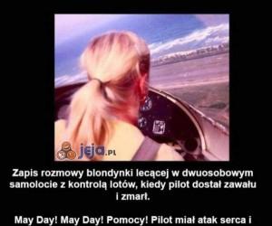 Blondynka w kokpicie