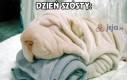 Podaj ten dziwny biały ręcznik