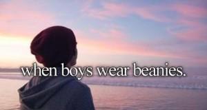 Kiedy chłopcy noszą czapki