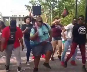 Taniec godowy z McDonalda