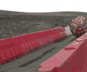 Ogromna kula z klocków lego