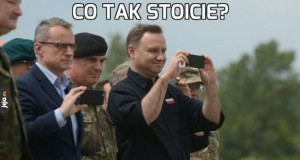 Co tak stoicie?