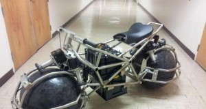 Dziwny motocykl