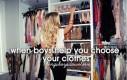 Gdy chłopcy pomagają wybrać ubranie