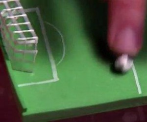 Naukowcy metodą nagród nauczyli pszczoły zasad piłki nożnej