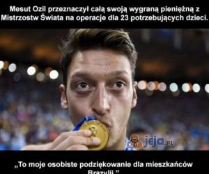 Mesut Ozil oddał pieniądze potrzebującym