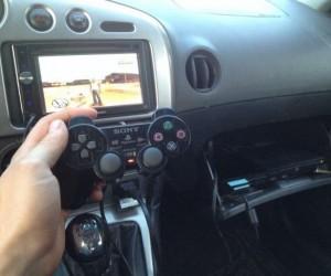 Takie tam, PS2 w samochodzie...