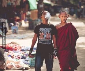 Dwóch braci, dwa różne światy