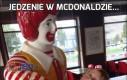 Jedzenie w McDonaldzie...