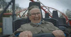 Babcia po raz pierwszy jedzie kolejką górską