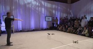 Drony sterowane ruchem