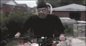 W Halloween na motorze